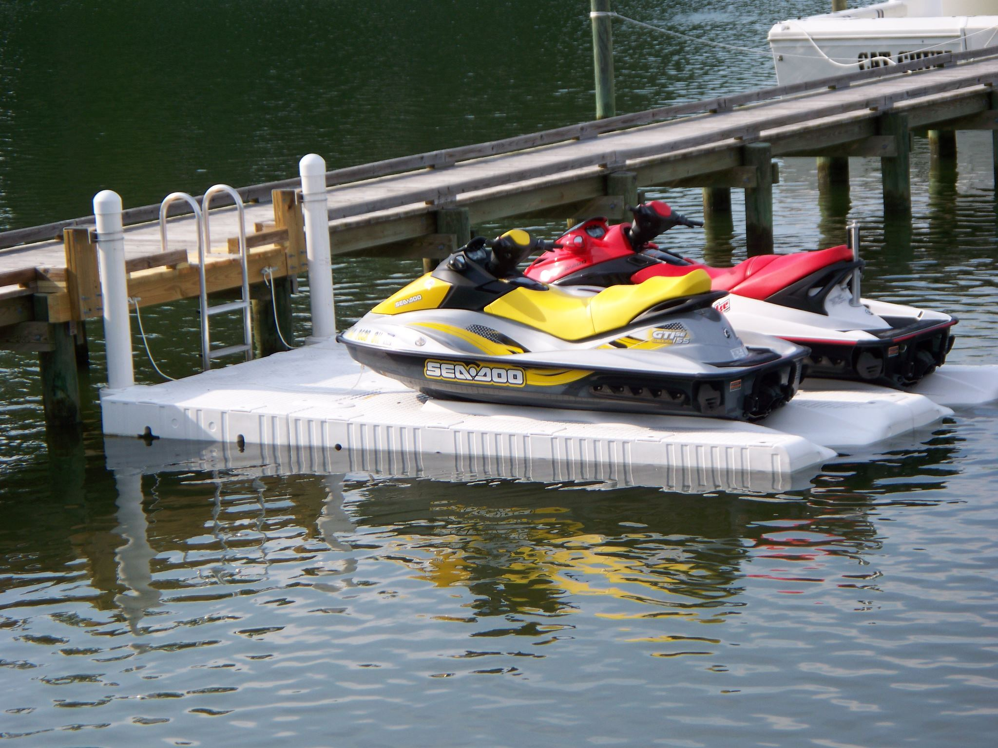image of the side of a jet-ski